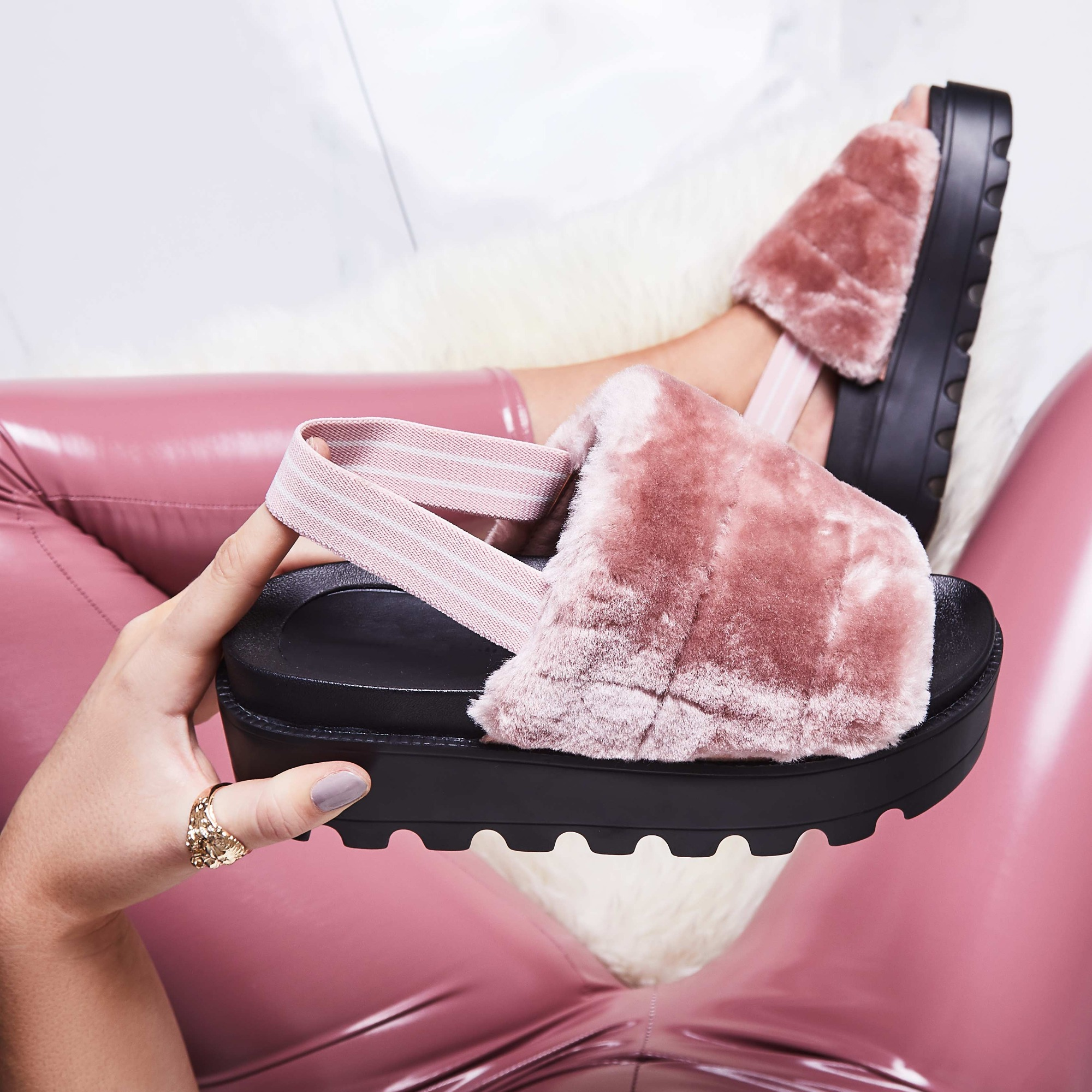 Kenzie Chunky Sole Sandal In Pink Faux Fur