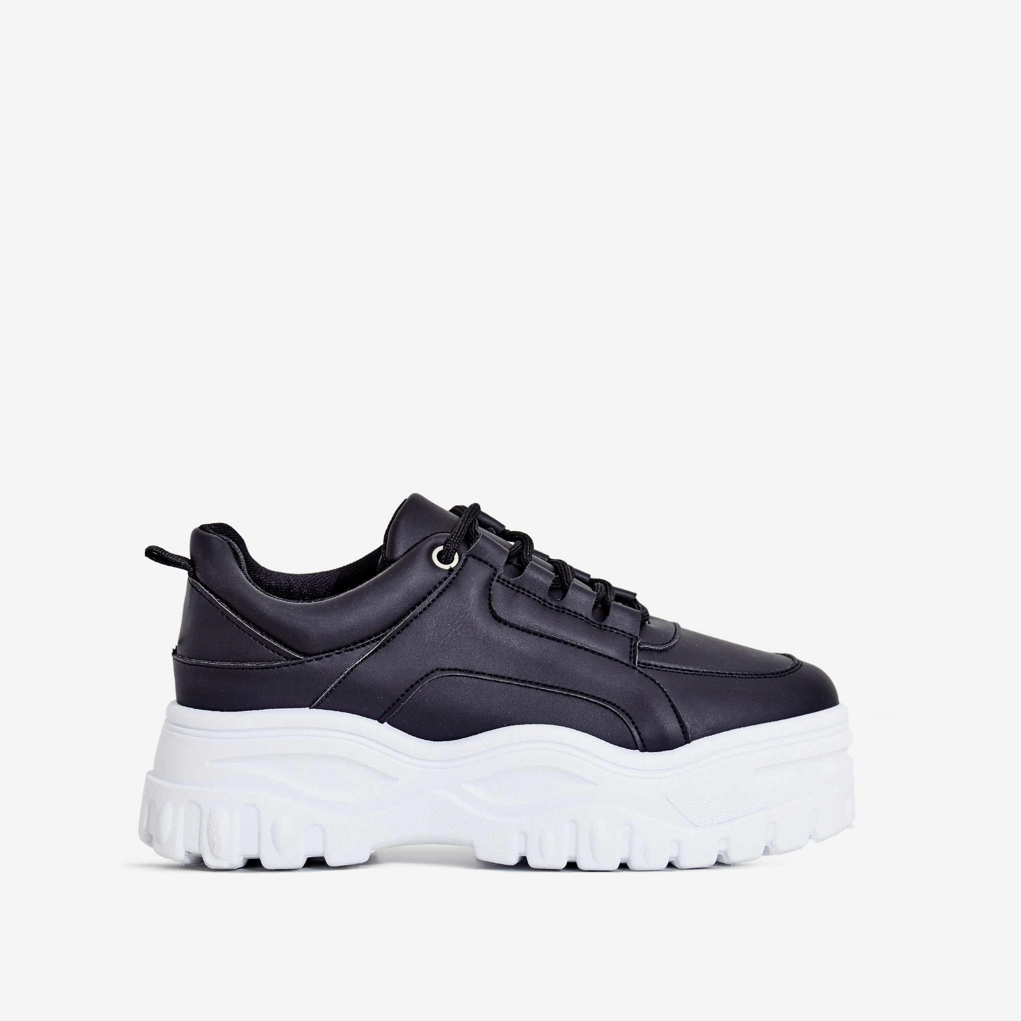 Tye Chunky Sole Trainer In Black